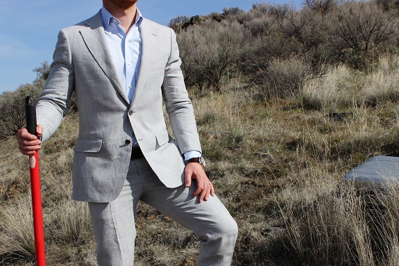 Suitsupply Linen Suit Review on Dappered.com