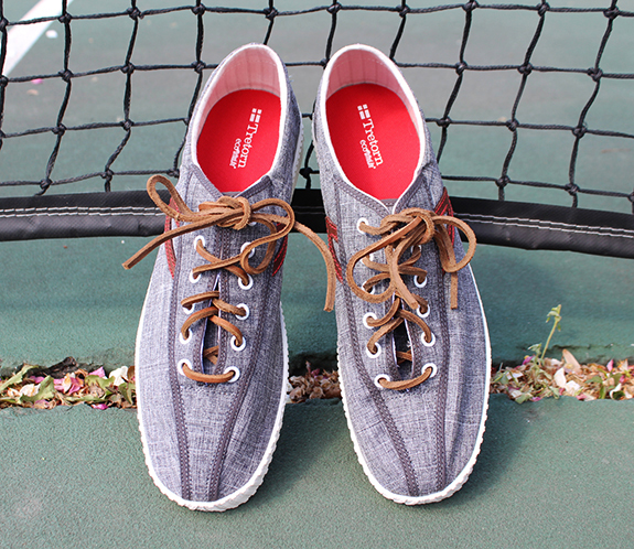 A review of Tretorn Nylite Linen Sneakers on Dappered.com