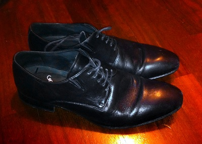 Dressing down black shoes - answered in The Mailbag on Dappered.com